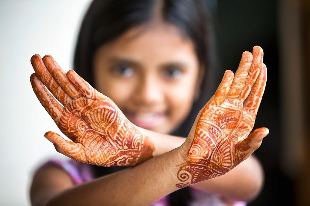 Mehndi Design For Front Hands